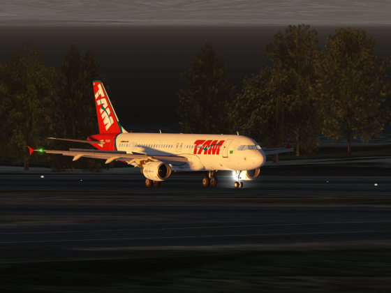 A320 Clearing the Runway in Oakland fulfilling flight LA3386