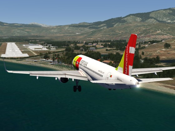 TAP Portugal A320 Landing at Samos, Video
