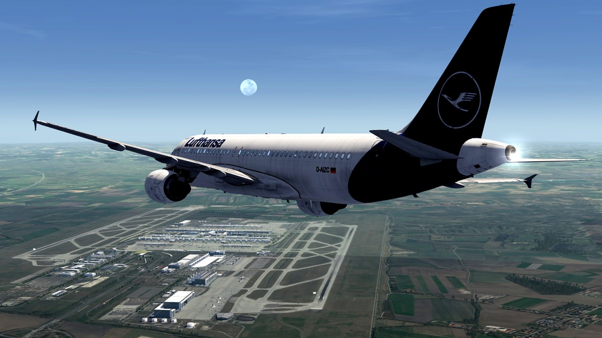 Muenchen airport-EDDM+approaching A320