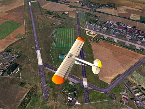 Dijon Airport-Bourgogne_France+Piper Cub
