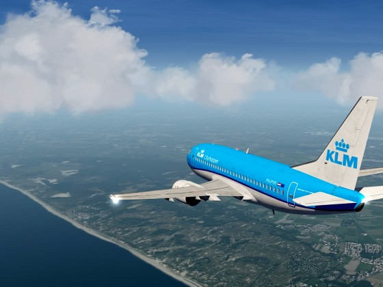 Coast Nth of IJmuiden+B737-500 KLM_1