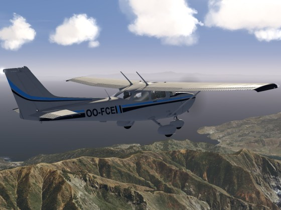Cessna 172 over Catalina